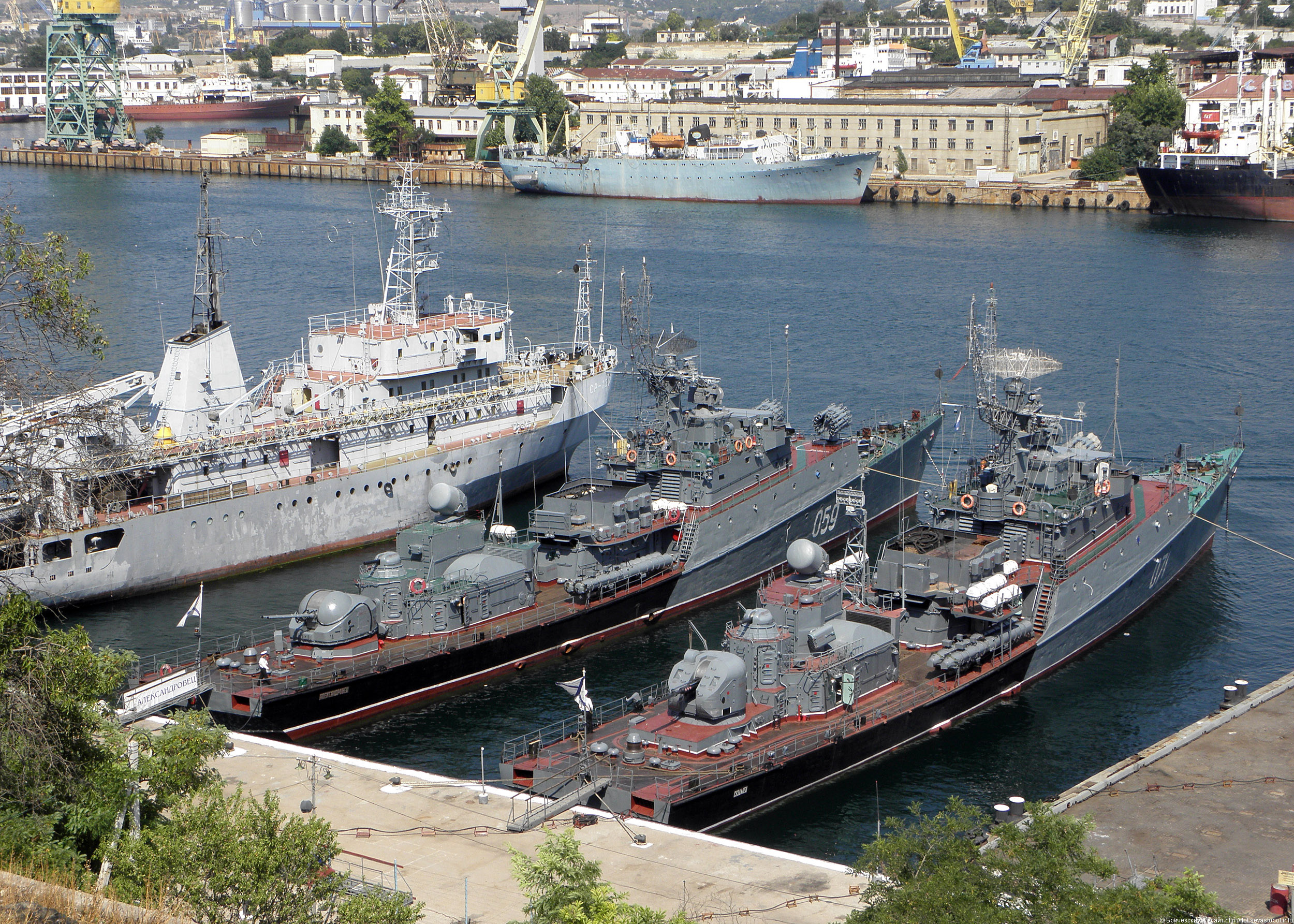Сайт порта флота севастополя сделать граффити стикеры на сайте